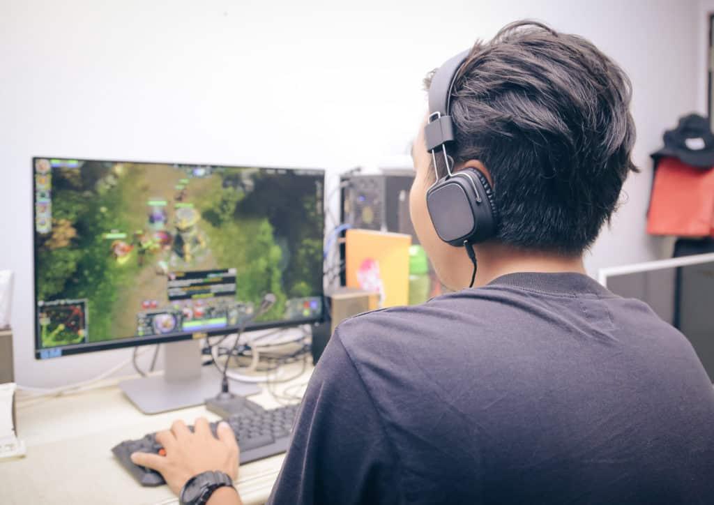 【副業紹介#3】オンラインゲームのRMTで稼ぐ方法とは|特徴やコツを紹介